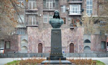 Monument to Nelson Stepanyan