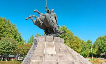 Monument to Zoravar Andranik
